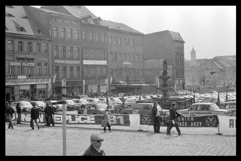 Teplice-1981-Hotel-Radnice